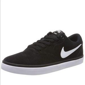 Nike Shoes - Nike Black Canvas Sneakers 8 Tennis Shoes